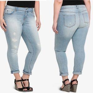 Torrid Lightwash Repaired Boyfriend Jeans